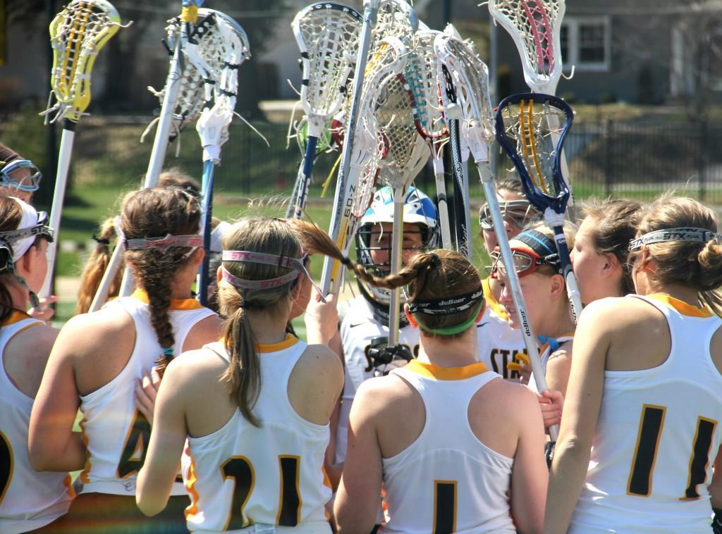 lacrosse team huddle